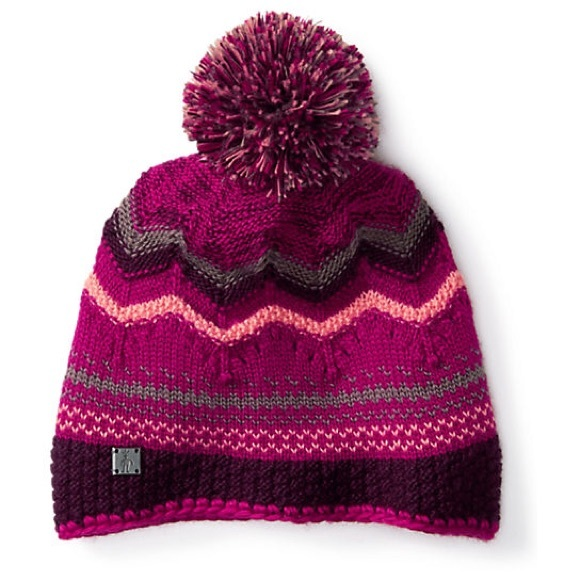 d0d200b1065ed Smart wool Chevron Beanie Hat Berry Color Pom Pom.  M 5a5179b272ea883991032085